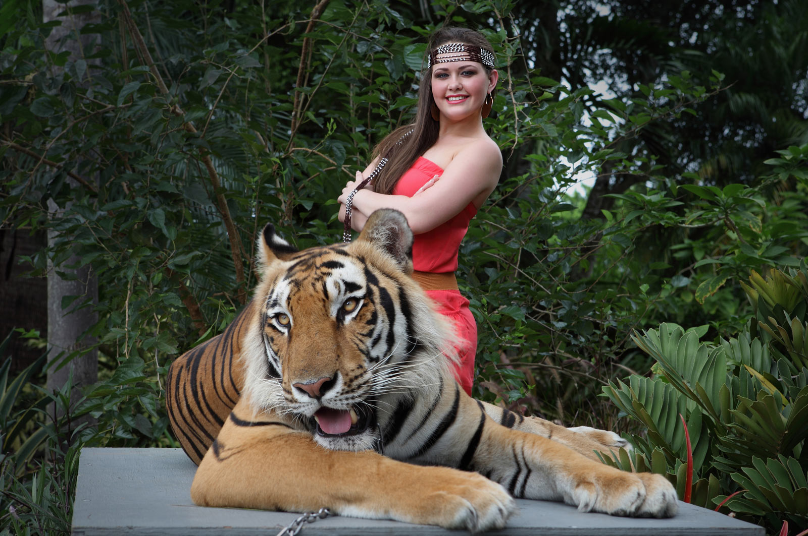Brave Quinceanera Model posing with Tiger